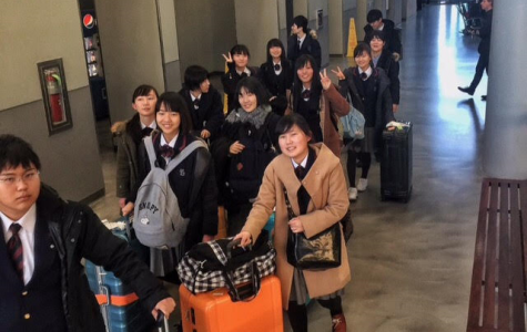 Foreign Exchange Students Arrive in America