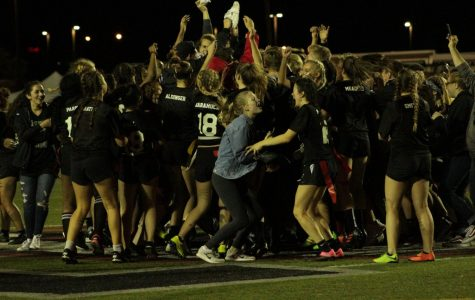 Senior Powderpuff Team Defeats Juniors 21-19